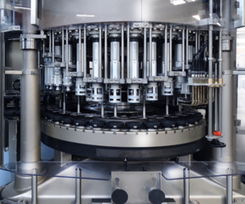 Industrial Labeling Machine Indonesia | Sacmi FormSleeve Labeller